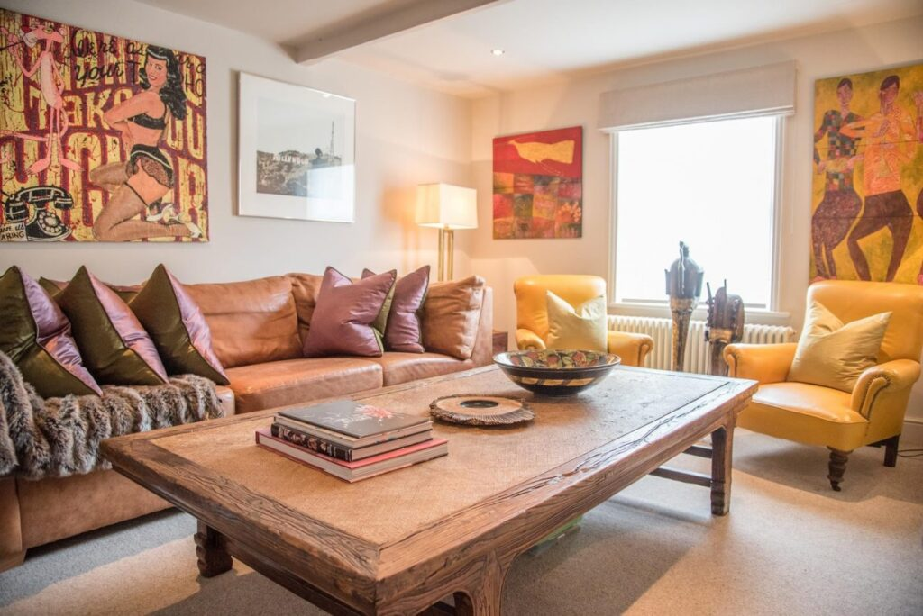 How you can instantly transform your home with art